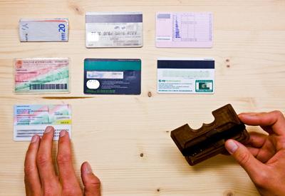 aprópénz, kulcs a kis rekeszben, Wowa pénztárcák