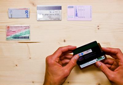 Wowa fa pénztárca Paypass-hoz